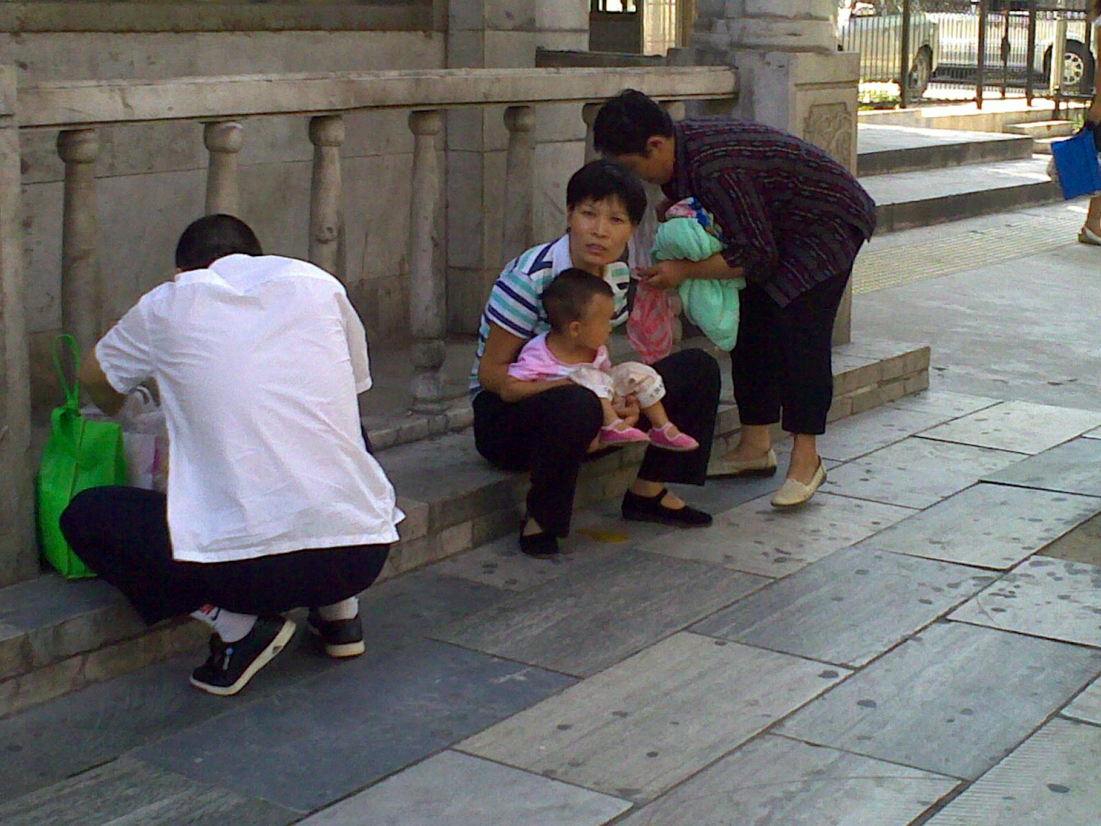 Freddie roach says chinas zou shiming must dump amateur ideas